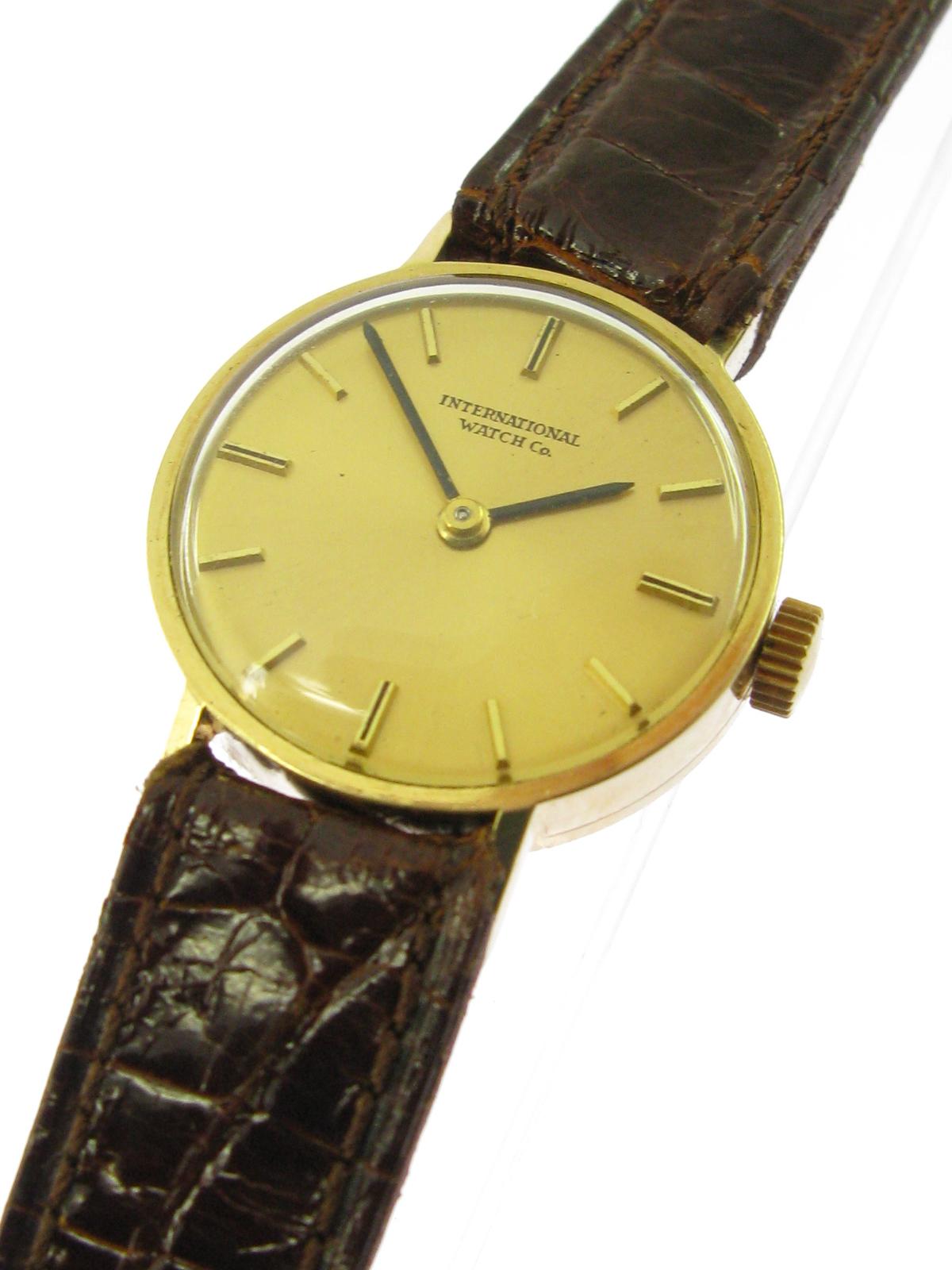 iwc 18 kt gold damen armbanduhr 60er jahre klassiker ebay. Black Bedroom Furniture Sets. Home Design Ideas