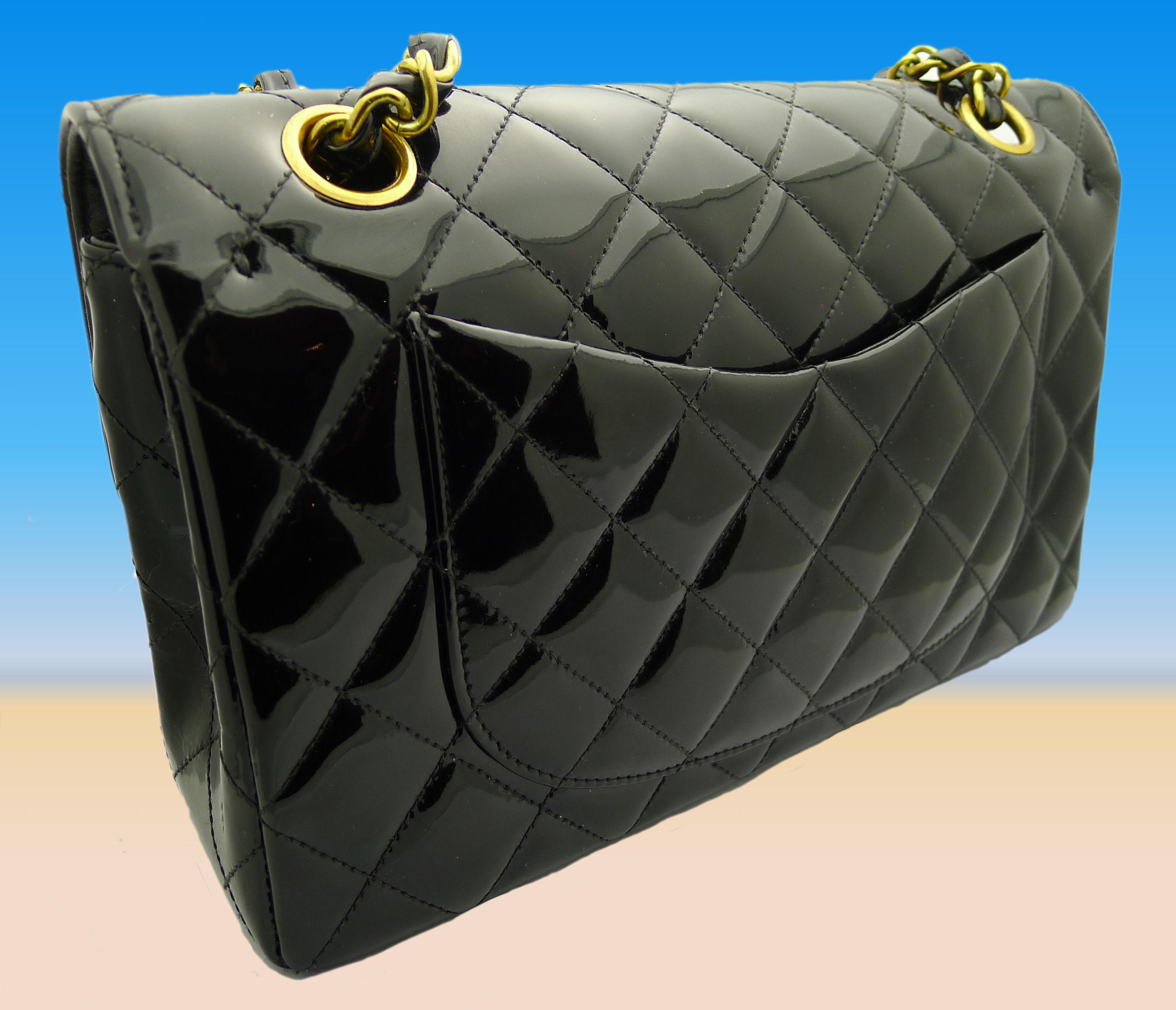 chanel tasche handtasche schwarz lackleder ebay. Black Bedroom Furniture Sets. Home Design Ideas