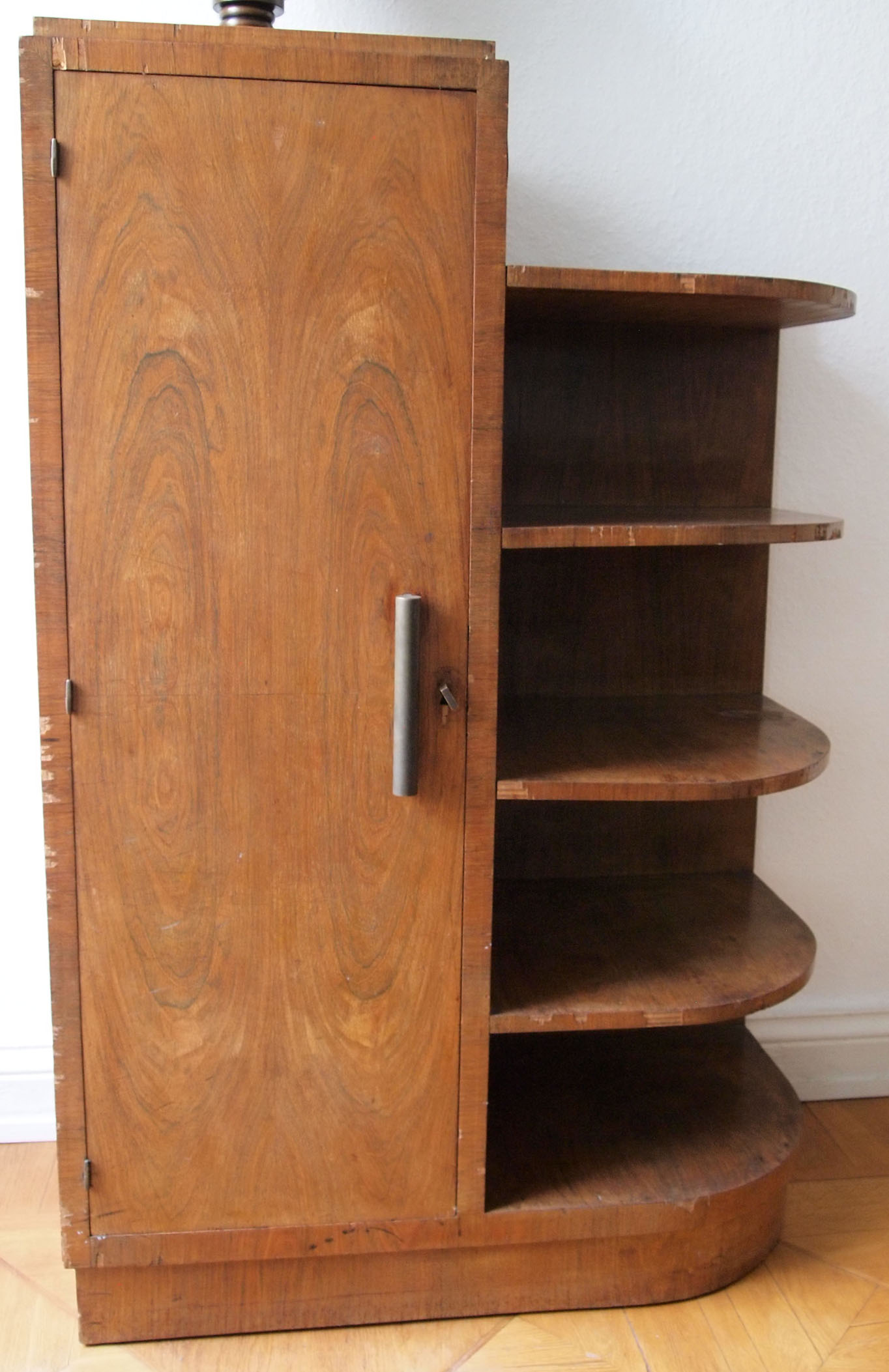 art deco design objekt schrank mit regal nussbaum 1930er jahre wundersch n ebay. Black Bedroom Furniture Sets. Home Design Ideas
