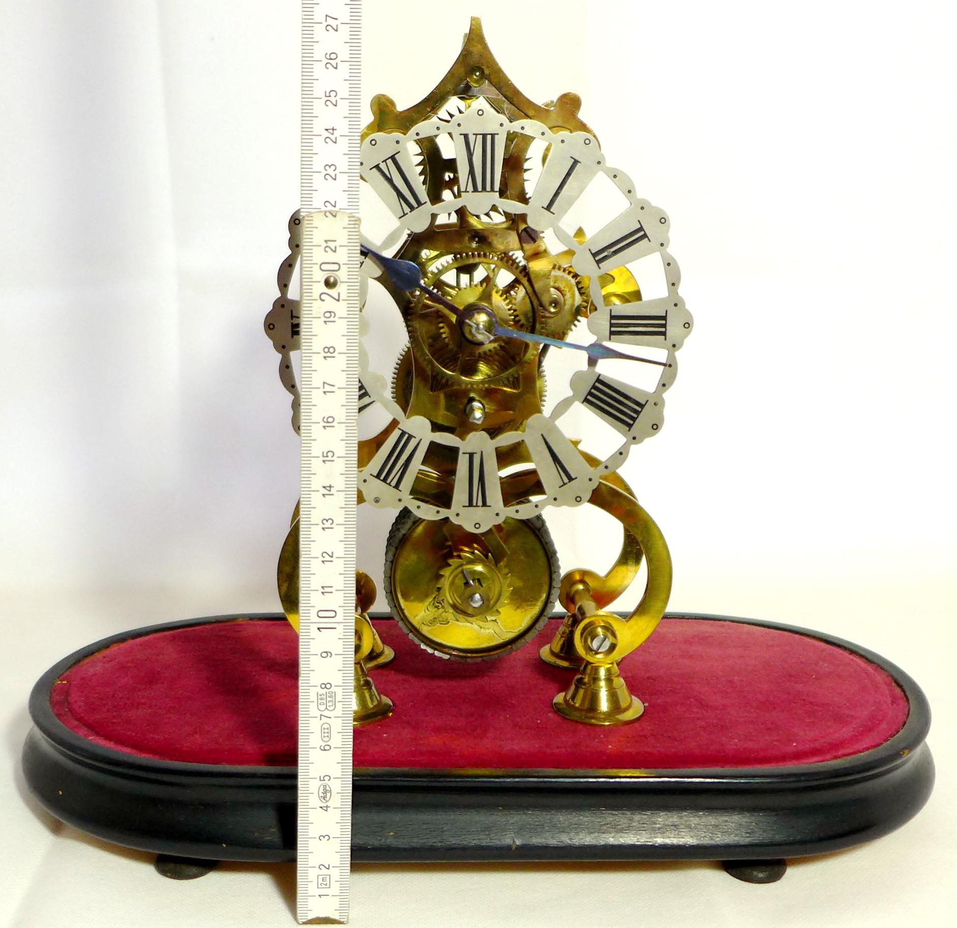 skelettierte tischuhr skeleton clock england um 1870 mit glasdom selten ebay. Black Bedroom Furniture Sets. Home Design Ideas